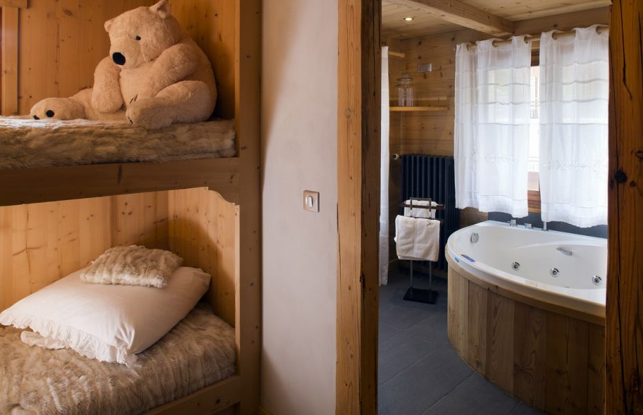Bathroom bath - Hotel Chalet les Cimes